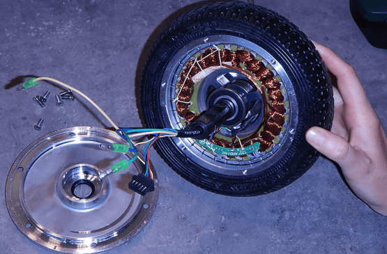 Moteur brushless ou brushed, quelle différence ?